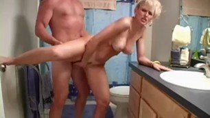 racquel devonshire Fucks her in a doggy style pose and she moans