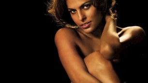 APPEALING EVA MENDES NUDE BODY