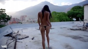 Colombian Denisse Gomez outdoor Solo