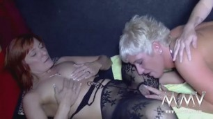 A old lesbian Beverly 3some for these slut