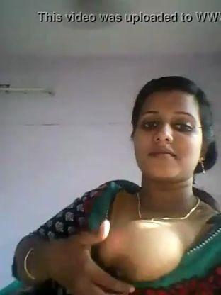 Mallu Aunty big boobs show XVIDEOS COM TS